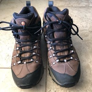 Merrell Hiking Boot Outland Mid W8